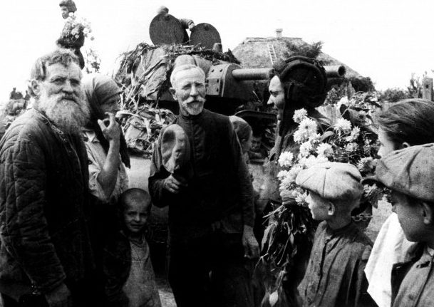 Красная Армия пришла в Симферополь.