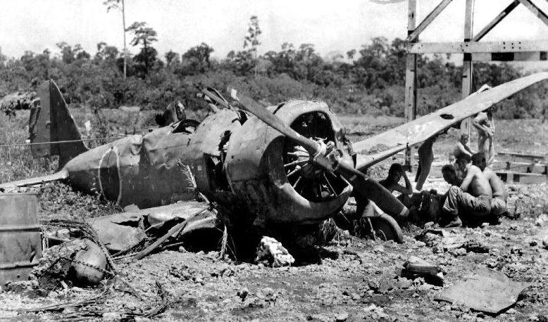 Японский истребитель, сбитый над островом.