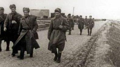 Советские войска входят в Херсон.