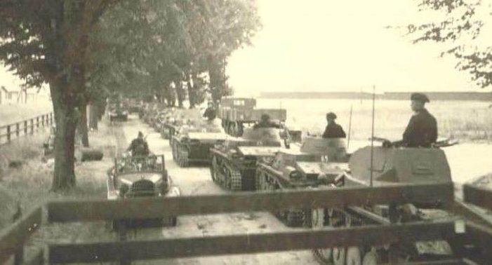 Немецкие войска на марше у Дубно. 25-29 июня 1941 г.
