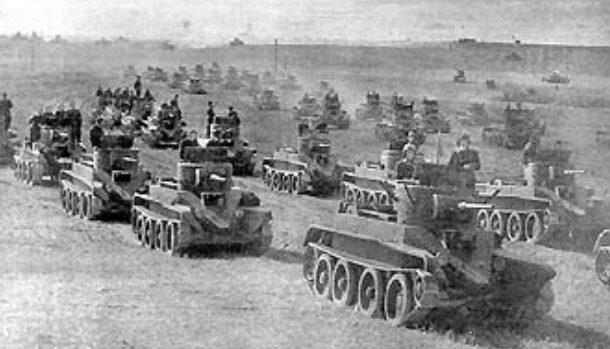 Советские танки во время сражения у Дубно. 25-29 июня 1941 г.