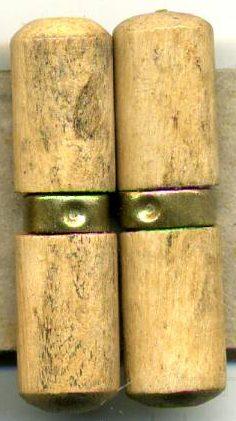 Деревянные пуговицы для караульного тулупа.