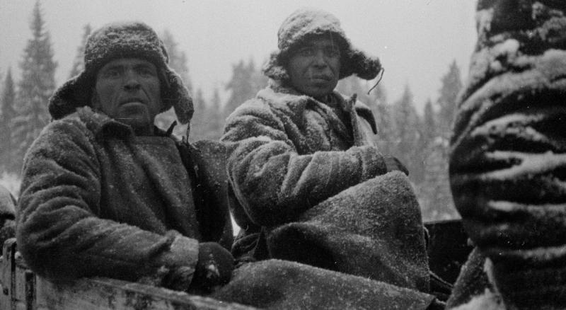 Пленные солдаты Омской дивизии в Митро. Февраль 1940 г.