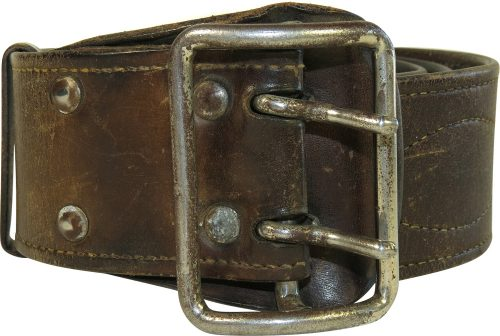 Кожаный поясной ремень для комсостава РККА образца 1933 года.