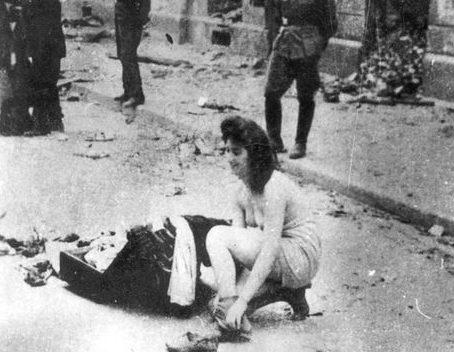 Издевательства над еврейскими женщинами.