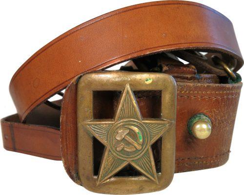 Кожаный поясной ремень офицера РККА образца 1935 года.