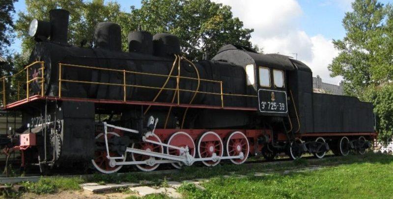 г. Тверь. Паровоз ЭМ 725-39 на станции Тверь, перевозивший в годы войны провизию и военную технику в блокадный Ленинград.