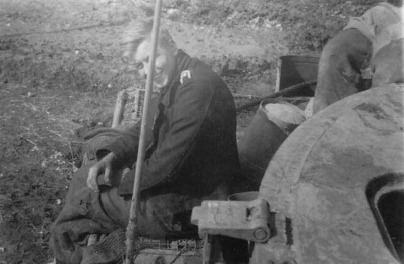 Немецкие танкисты под Тарнополем. Апрель 1944 г.