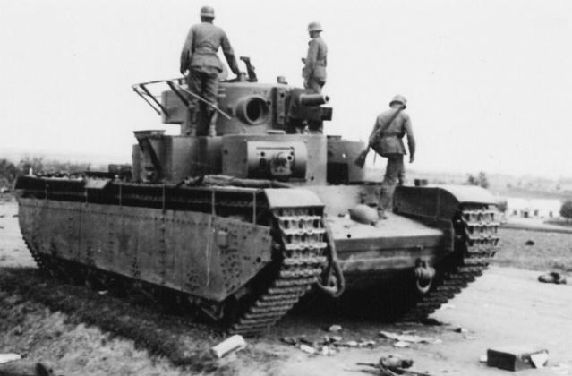 Брошенная и разбитая советская техника и вооружение. Июнь 1941 г.