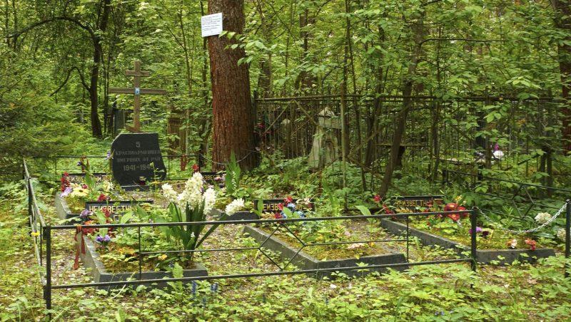 г. Тверь д. Николо-Малица. Братская могила на кладбище, где захоронены неизвестные советские воины.