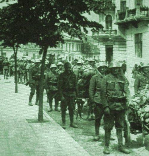 Словацкие солдаты в Дубно. Июль 1941 г.