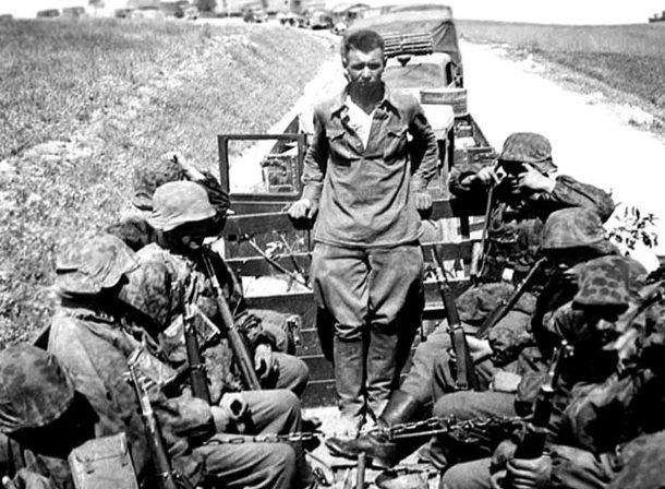 Пленные красноармейцы. Лето 1941 г.