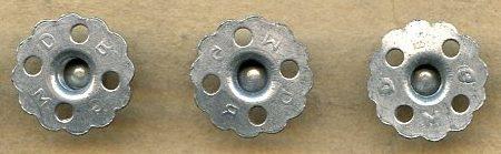 Погонные пуговицы Кригсмарине на винтах диаметром 17 мм, изготовленные из цинка.