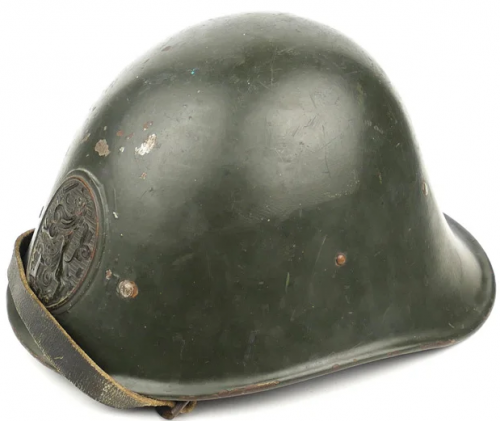 Стальная пехотная каска М28.