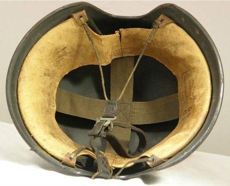 Авиационный шлем «Fliegerstahlhelm 44».
