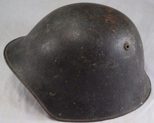 Пехотный стальной шлем М18.