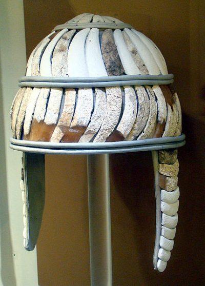 Микенский шлем из кабаньих клыков. Археологический музей Ираклиона.