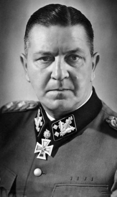 Создатель Дахау - Теодор Айке.