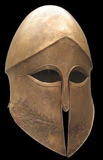 Шлем Древней Греции коринфского типа. Около 500 г. до н. э. Музей в Мюнхене.