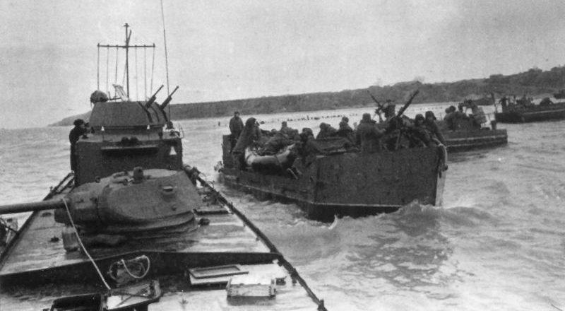 Бронекатер типа 1124 и тендеры Азовской флотилии.