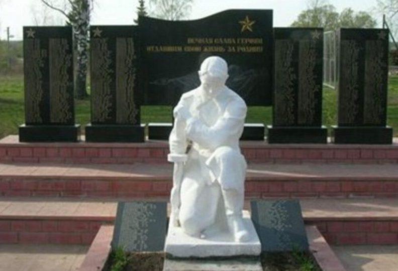 д. Ведное Рамешковского р-на. Памятник на братской могиле советских воинов.