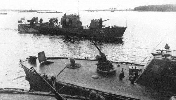 Советские катера, участвовавшие в высадке десанта.