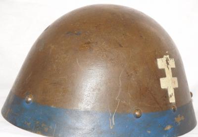 Шлем М32 на службе в Словакии.