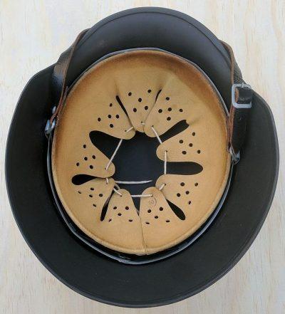 Подтулейное устройство касок, единое для M35, M40 и M42.