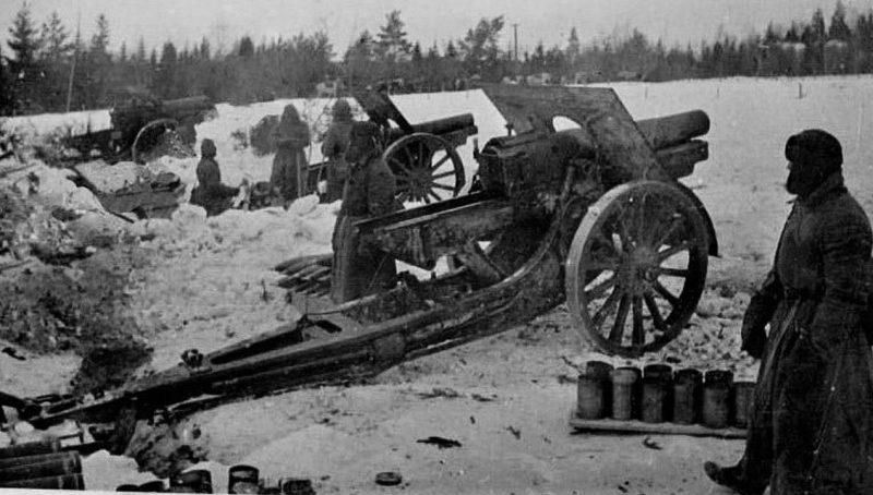 152-мм гаубицы образца 1909/30 гг. на Карельском перешейке. 1940 г.