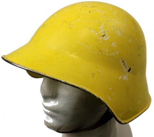 Шлем для гражданской обороны.