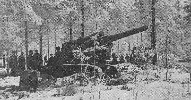 203-мм гаубица Б-4 на огневой позиции на Карельском перешейке. Февраль 1940 г.