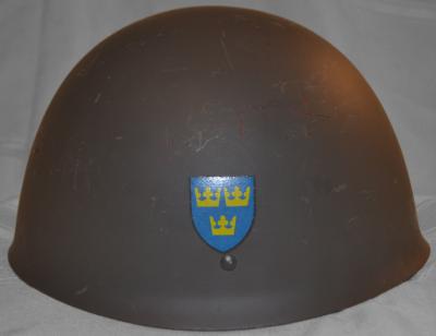 Стальная пехотная каска М37 с изображением декали.