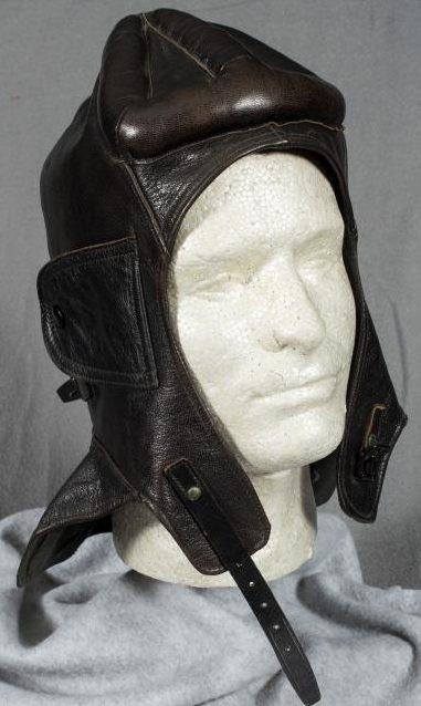 Кожаный шлем танкиста.