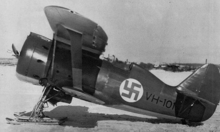 Трофейный истребитель И-153 на службе у финнов. 1940 г.