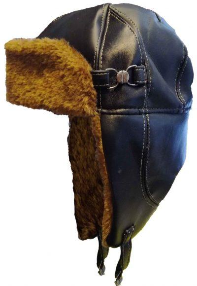 Кожаный зимний шлем.