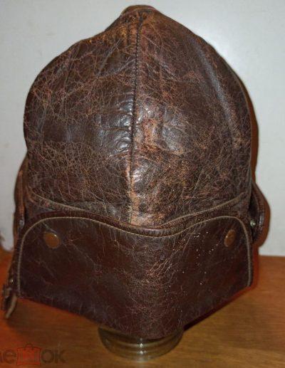 Летние кожаные шлемы.