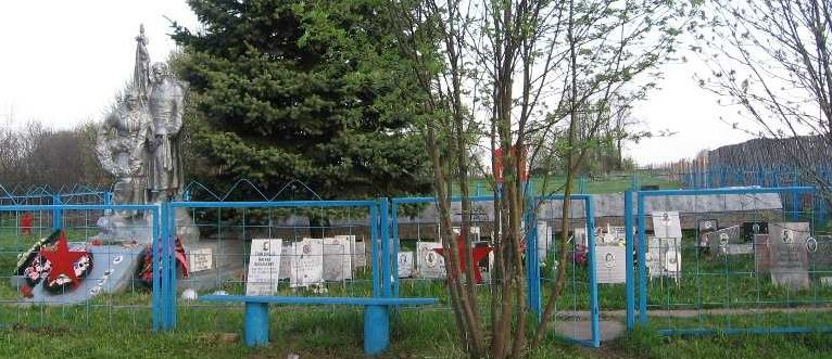 д. Паршино Зубцовского р-на. Памятник, установленный на братской могиле советских воинов.