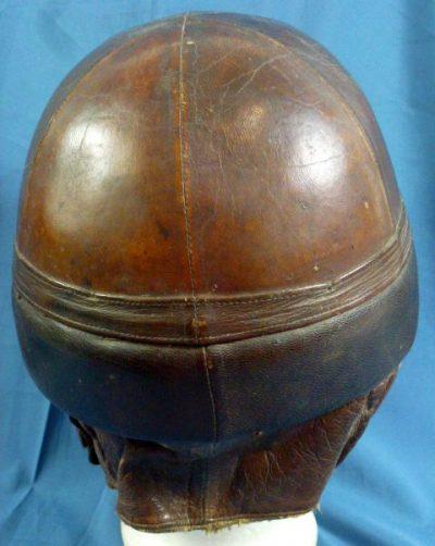 Кожаный зимний танковый шлем.