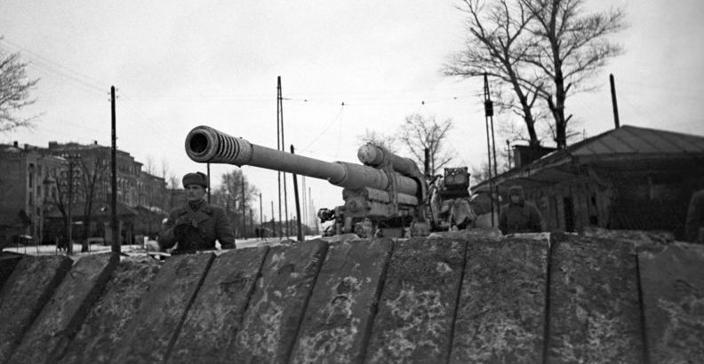85-мм зенитное орудие 52-К на рубежах обороны Тулы. Октябрь 1941 г.