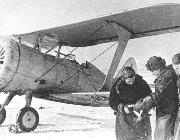 Истребитель И-15бис на Ленинградском фронте. 1941 г.