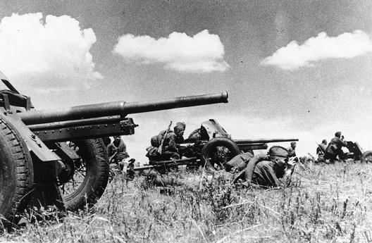 45-мм противотанковые пушки образца 1932 года (19-К). 1941 г.