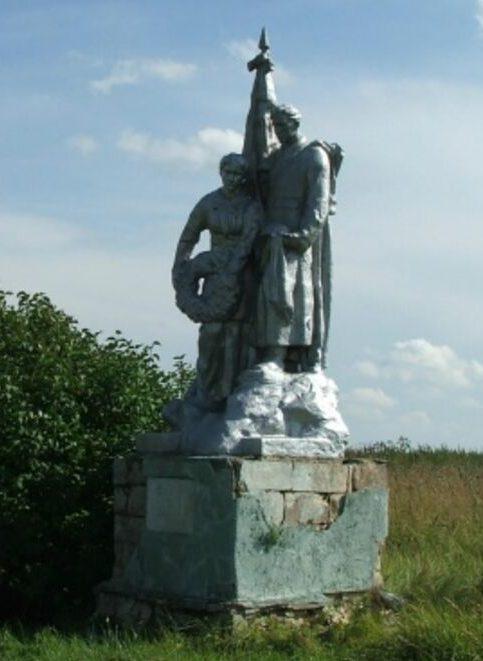 д. Попадьино Старицкого р-на. Братская могила советских воинов.
