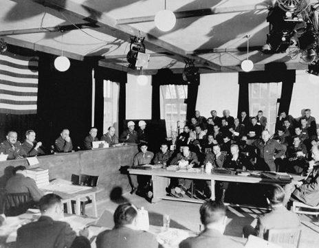 Заседание Дахауского процесса.