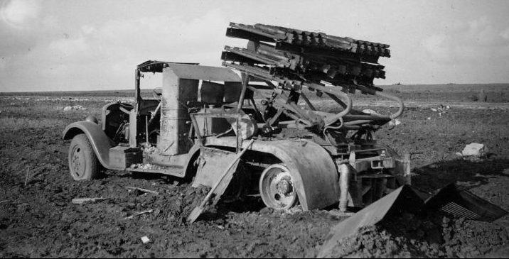 Реактивная установка БМ-8-36, уничтоженная в районе Харькова. Май 1942 г.