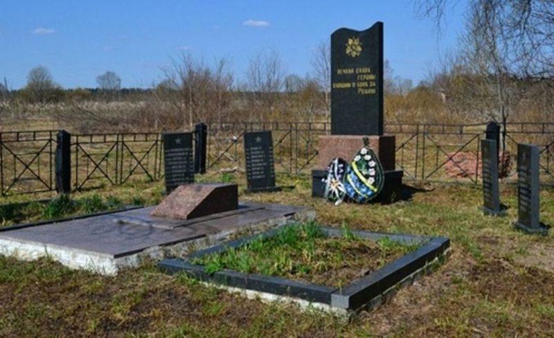 д. Новоникольское Нелидовского городского округа. Братские могилы советских воинов.
