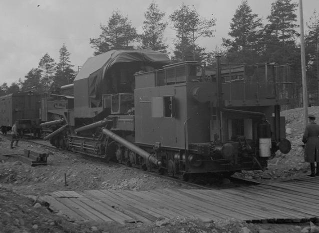 Железнодорожная артиллерийская установка ТМ-1-180 на службе финнов. Полуостров Ханко 1942 г.