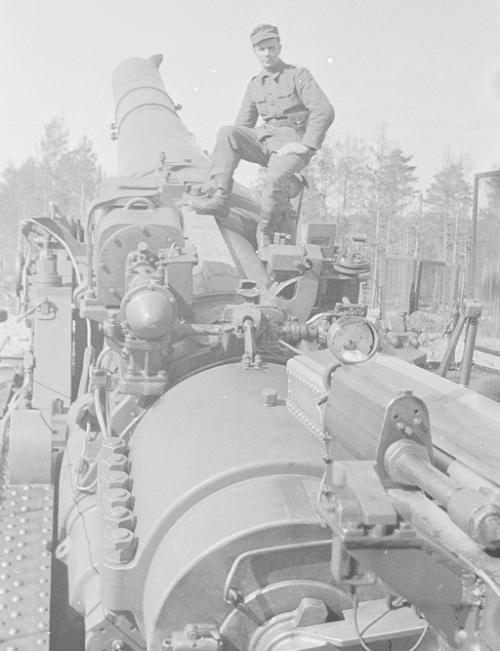 Железнодорожная артиллерийская установка ТМ-3-12 калибром 305-мм на службе финнов. Полуостров Ханко 1942 г.