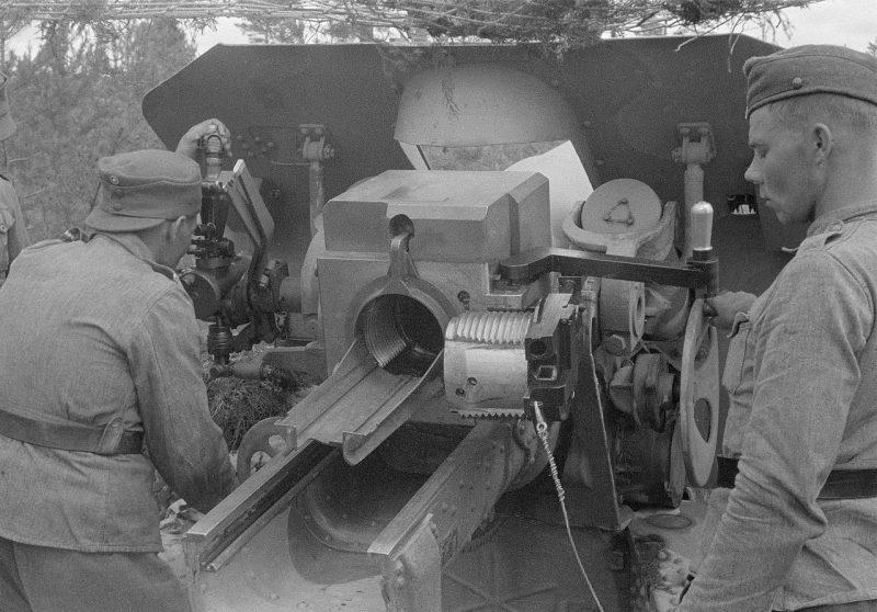 Советская 152-мм гаубица М-10 на вооружении финских войск. 1942 г.