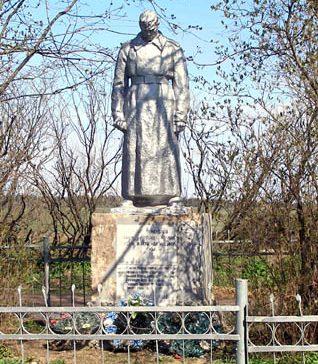 д. Глинкино Торжокского р-на. Братская могила советских воинов.