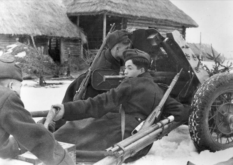 45-мм противотанковая пушка 53-К на службе у немцев. Март 1943 г.